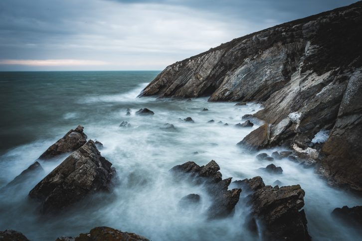 Langzeitbelichtung mit Graufilter am Meer