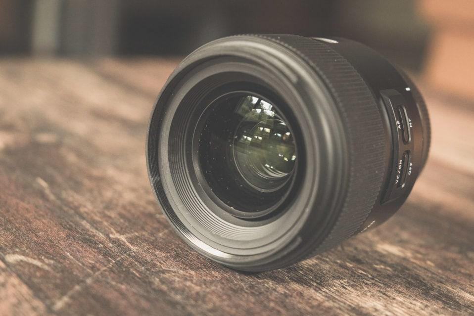 Tamron 35mm f/1,8 VC USD in der Frontansicht